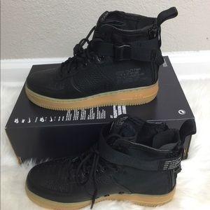 Nike SF AF1 MID Women's